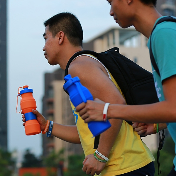 New collapsible sports water bottle,BPA free,Portable.